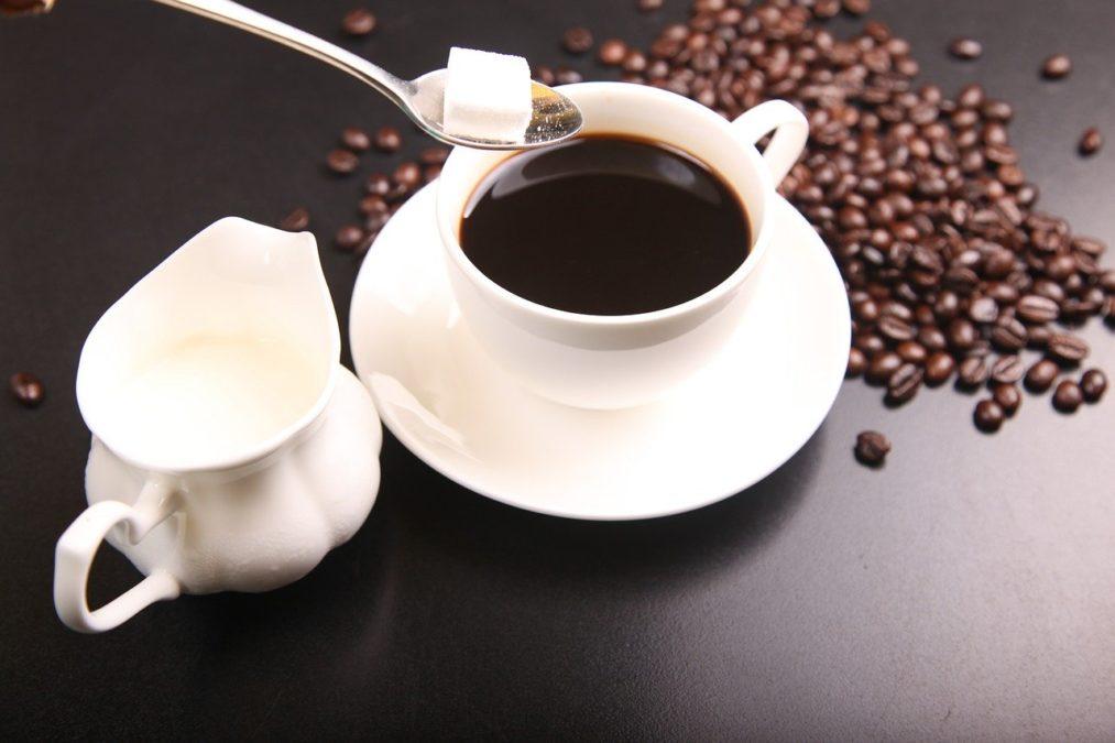 コーヒー代の節約におすすめのコップ付き水筒