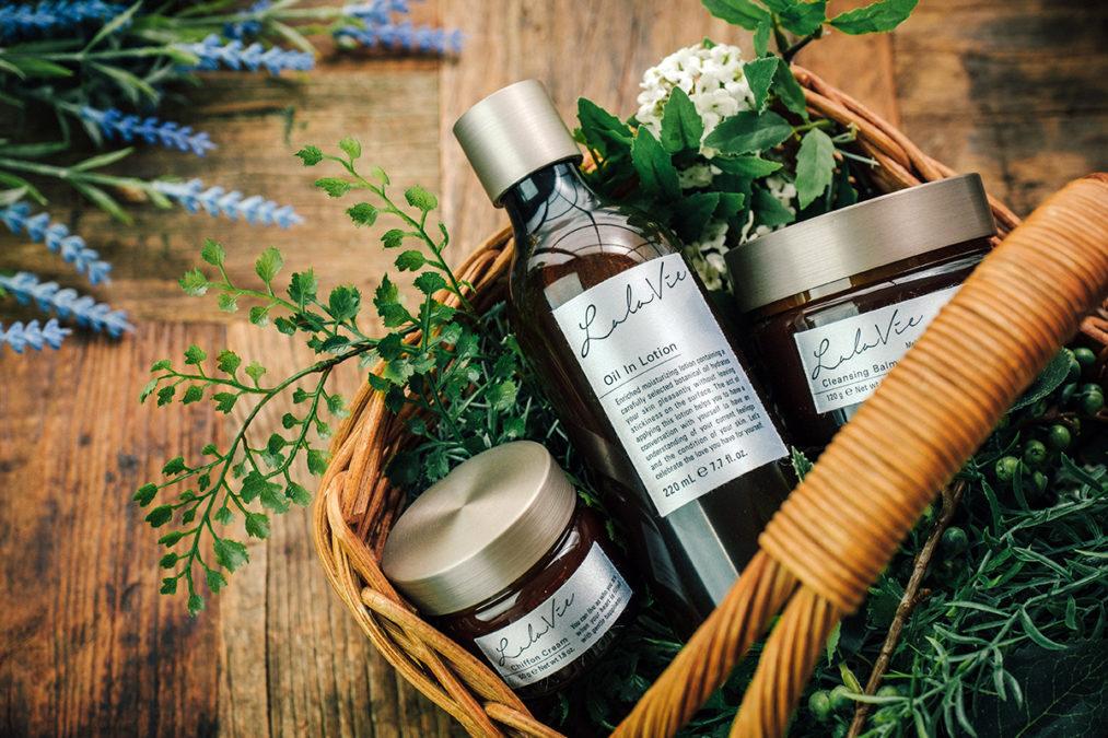 ララヴィは国内工場で生産される安全な化粧品